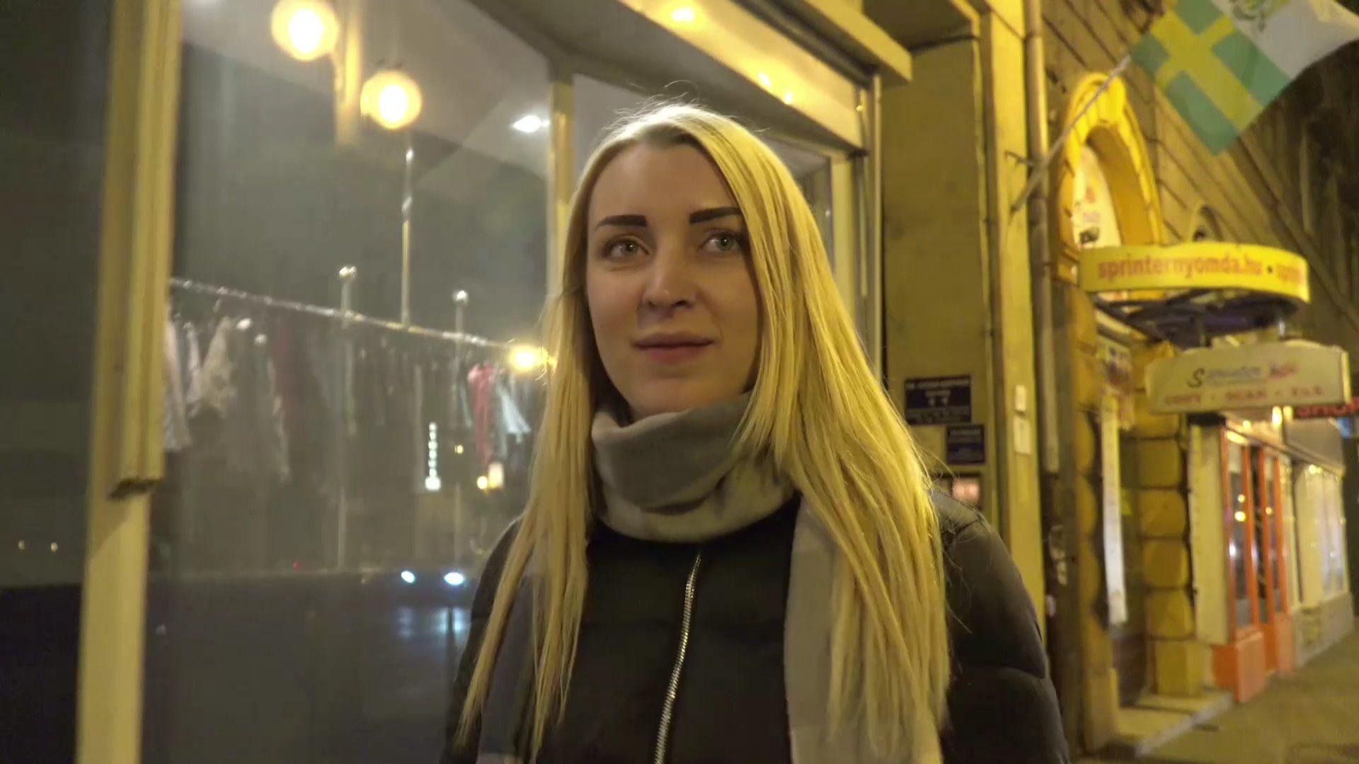 GERMAN SCOUT Teeny Amaris bei Casting gefickt