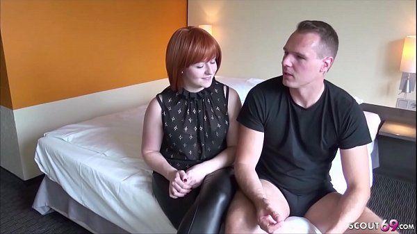 Deutsche rothaarige Mutter bei ersten Porno
