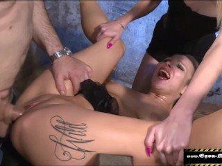 EGON KOWALSKI Teen zum Squirt gefickt kostenloser Porno