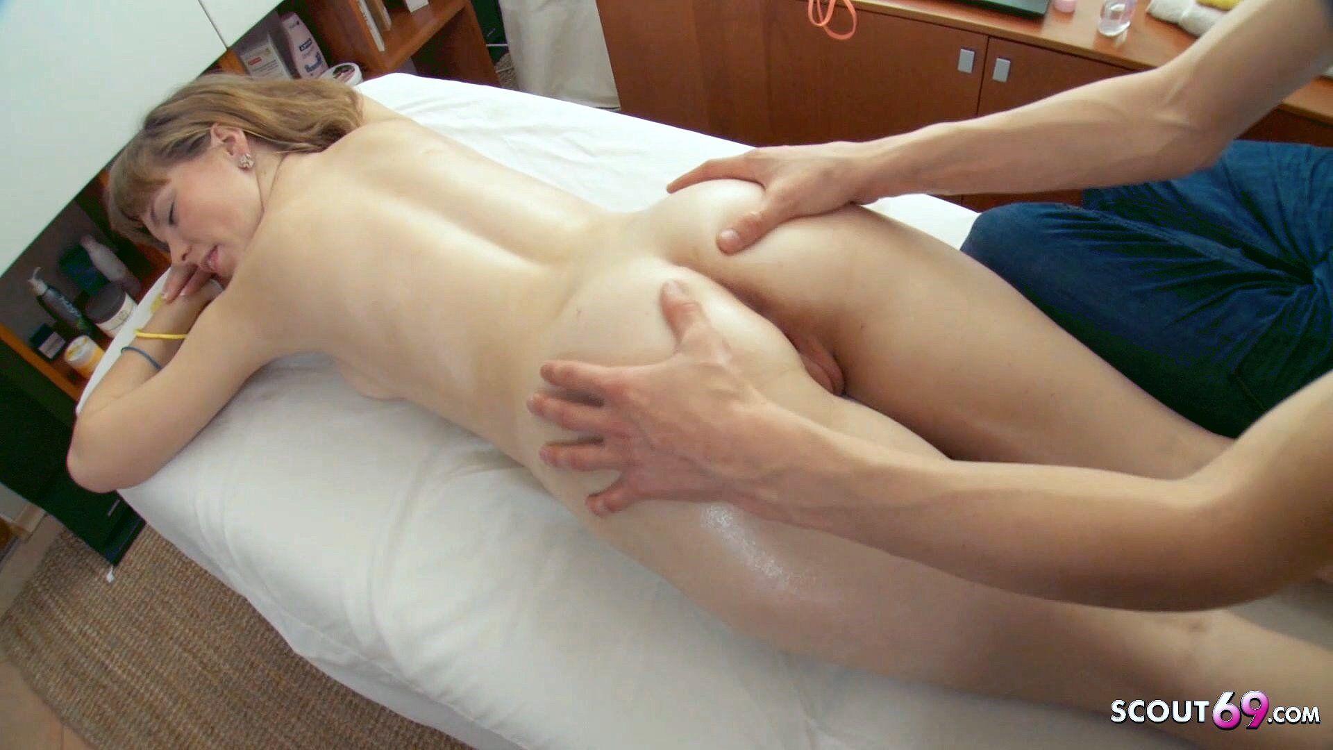 Bei Der Massage Gefickt
