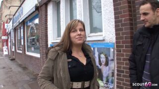 Lisa aus Berlin bei Straßen Casting ohne Kondom für 200 Euro gefickt