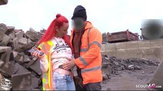 Anni Angel treibt es mitten auf Baustelle mit Arbeiter ohne Kondom