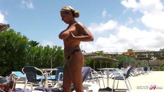 Geile Mutti im Urlaub abgeschleppt und heimlich in ihrem Hotelzimmer AO gefickt