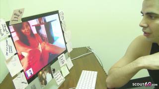 Schwester Jessica Valentina nackt vor der Livecam erwischt und hart gefickt