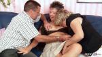 Deutsches dickes altes Ehepaar erlebt zum ersten Mal Dreier Sex mit fremder Frau