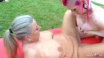 Schwangere Zecke Laura mit Milch Titten und reife Hausfrau beim Creampie Gruppensex